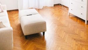 herringbone hardwood floor pattern
